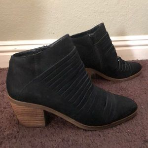🎃 lucky brand black ankle booties size 7.5 🎃